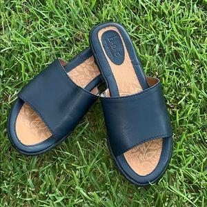 b.o.c. Navy Blue Sandals, size 6